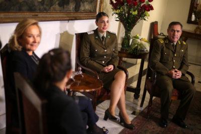 VIDEO |Carabinera desvinculada durante su fuero maternal fue reincorporada tras denuncia de Camila Vallejo
