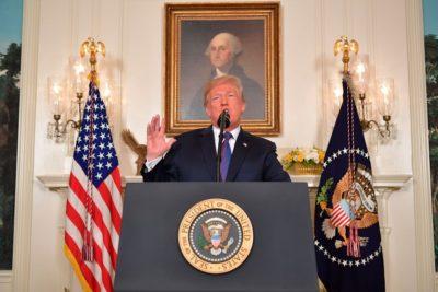 VIDEOS | Donald Trump ordena ataques militares contra Siria tras supuesto ataque con armas químicas
