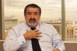 Trabajadores de Canal 13 pasan a la ofensiva y lanzan video-funa contra Andrónico Luksic y Javier Urrutia
