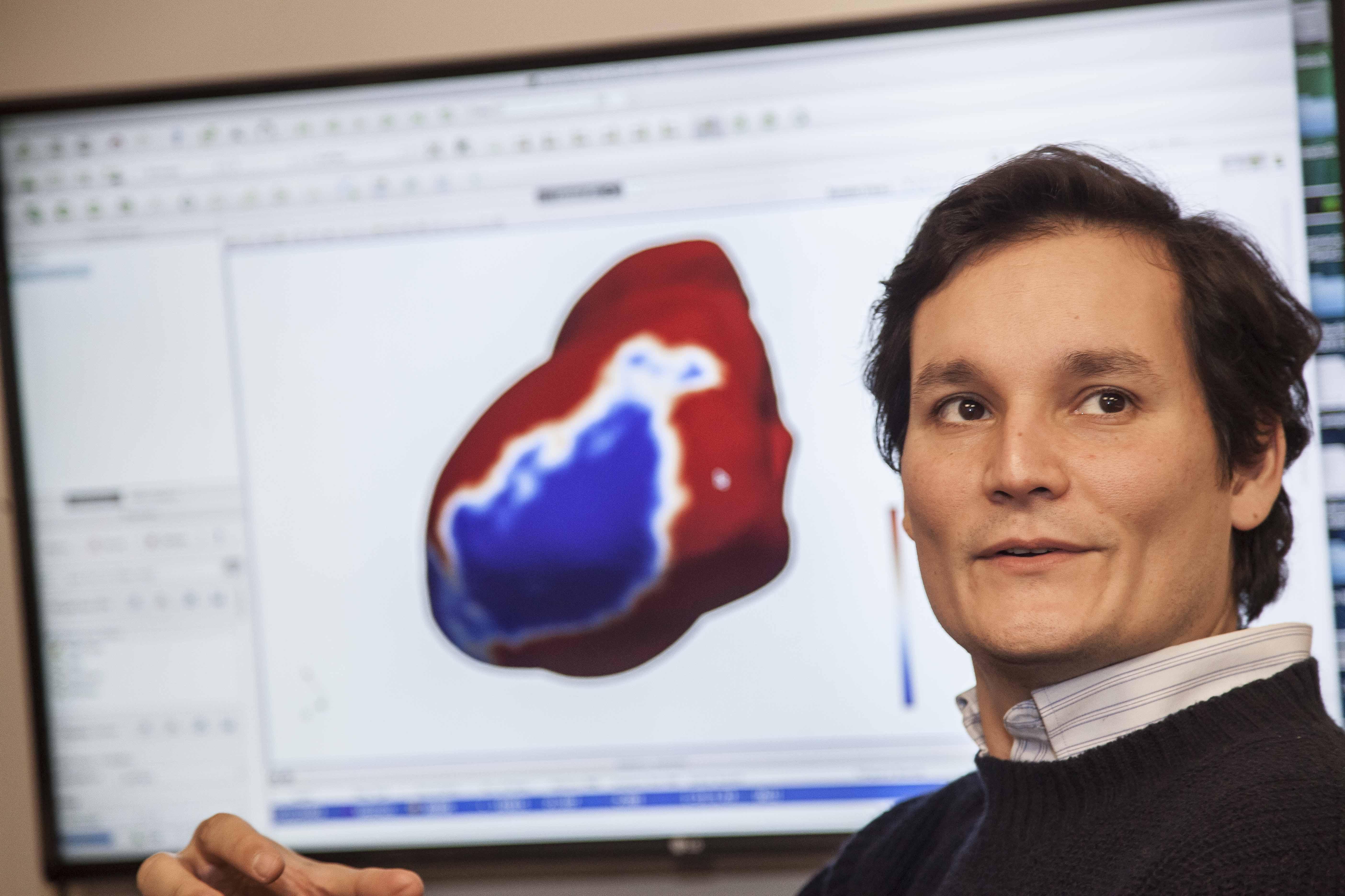 """""""Foro Económico Mundial elige a ingeniero chileno entre los 50 mejores científicos sub 40 del mundo"""""""