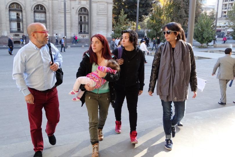 Familia homoparental presenta recurso en tribunales para poder inscribir a su hija