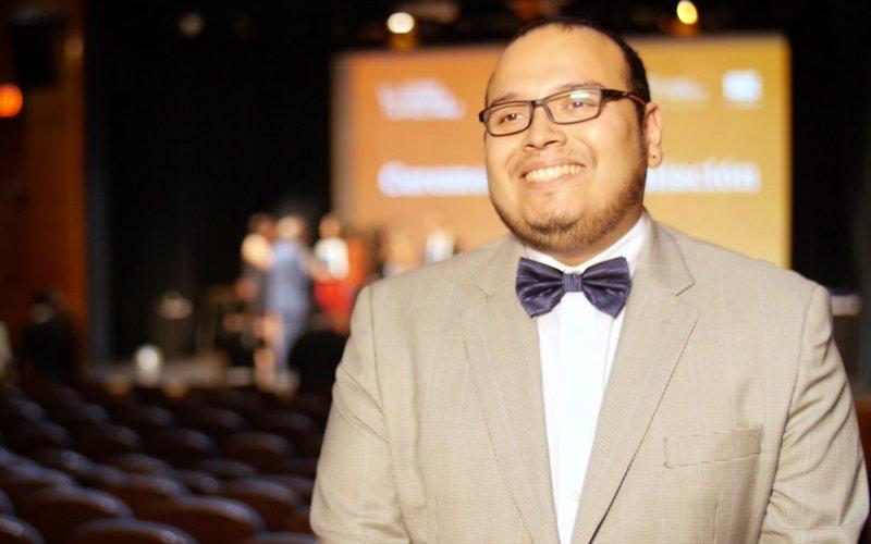 """Cómo el chileno elegido """"el mejor profesor del mundo"""" acusa a Daniel Jadue de quedar cesante"""