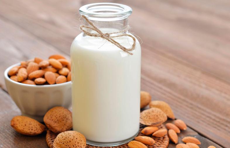 """Francia prohíbe decirle """"leche"""" y """"carne"""" a productos de origen vegetal"""
