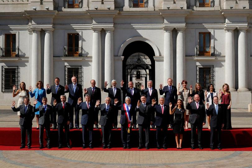 Un barco, varias propiedades y fondos mutuos: ministros hacen su primera declaración de intereses y patrimonio