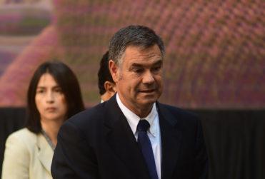 """Ossandón pide expulsar a extranjeros que delincan para """"evitar costo de 720 mil pesos por preso"""""""