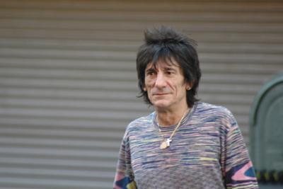 Guitarrista de The Rolling Stones vence al cáncer y vuelve a los escenarios
