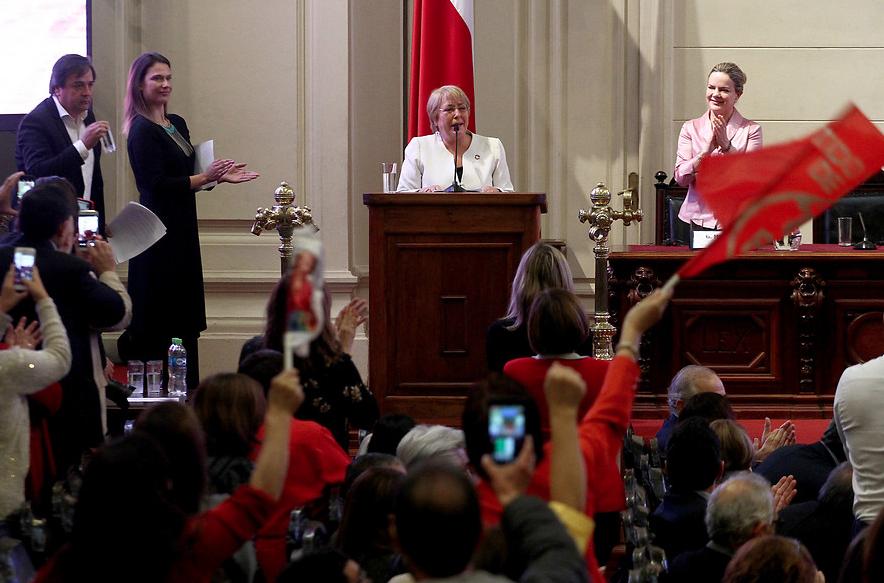 """Bachelet recibe premio Alianza Progresista: """"Se puede gobernar la economía globalizada"""""""