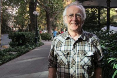 """Stephen Anderson, académico de la U. de Toronto: """"El futuro de los países en democracia y calidad de vida depende de una buena educación pública"""""""