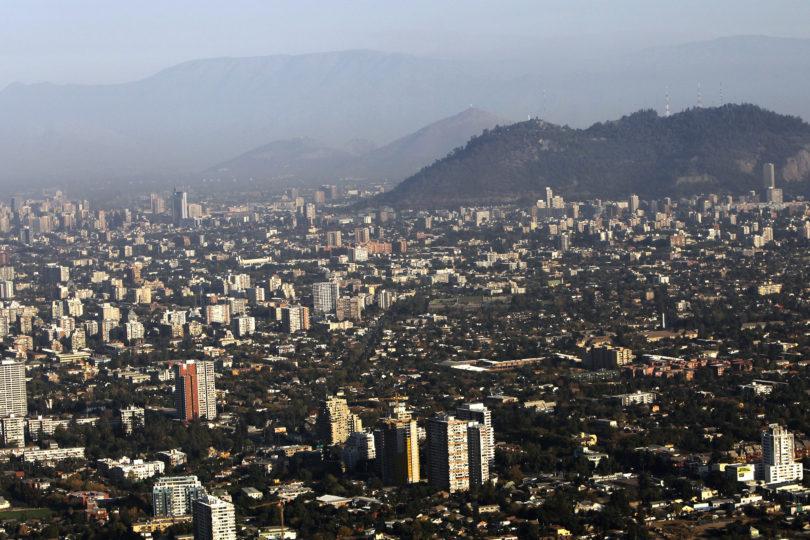 Más de la mitad de las familias de Santiago no puede acceder a viviendas nuevas