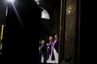 """Cardenal Errázuriz insiste en su defensa desde el Vaticano: """"Investigué a Karadima"""""""