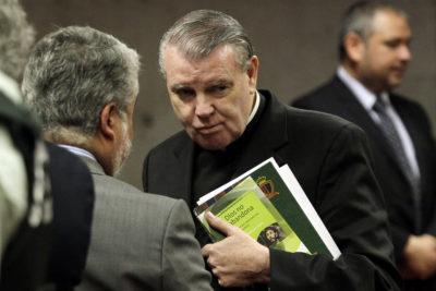 Vaticano suspendió a John O'Reilly por 10 años del ejercicio sacerdotal por abusos