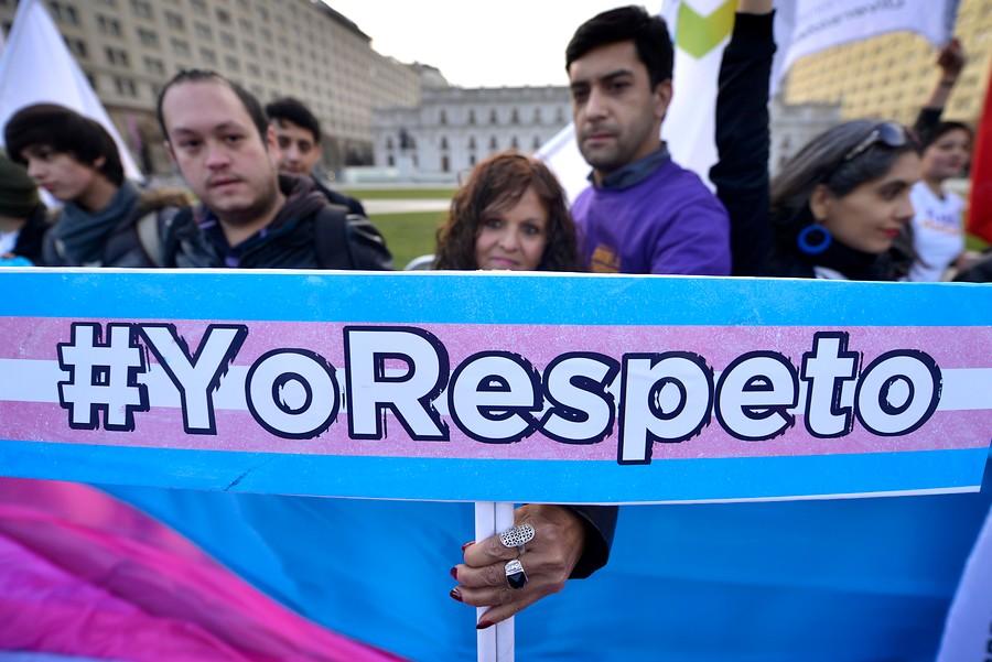 UDLA firma decreto que reconoce el nombre social de estudiantes transgénero