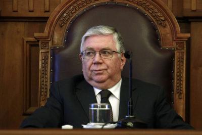 Ministro de la Suprema cuestiona imprescriptibilidad de delitos sexuales contra niños