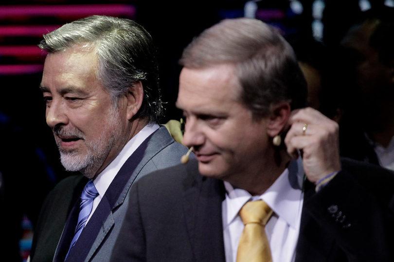 """""""Nos libramos de tenerlo como Presidente"""": la polémica discusión entre Kast y Guillier"""