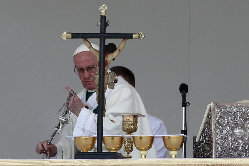 La decisión queda en manos del Papa: obispos aclaran que seguirán en sus funciones pese a haber presentado su renuncia