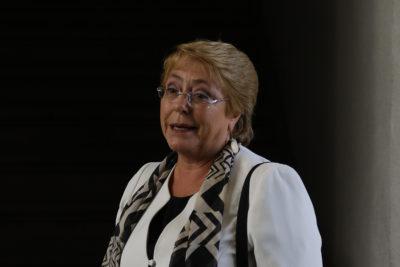 """Bachelet publica caricatura de ella misma como Princesa Leia: defiende su legado """"contra el lado oscuro"""""""