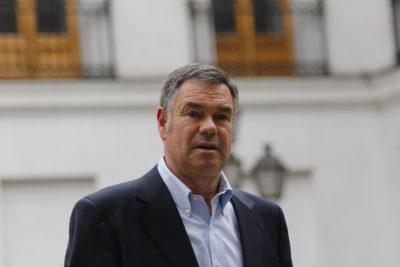 """Ossandón a ministro Varela: """"Está muy lejos de la derecha social que Chile necesita"""""""