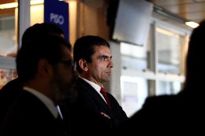 Ex fiscal Carlos Gajardo es cuestionado por reunión con diputado del Frente Amplio