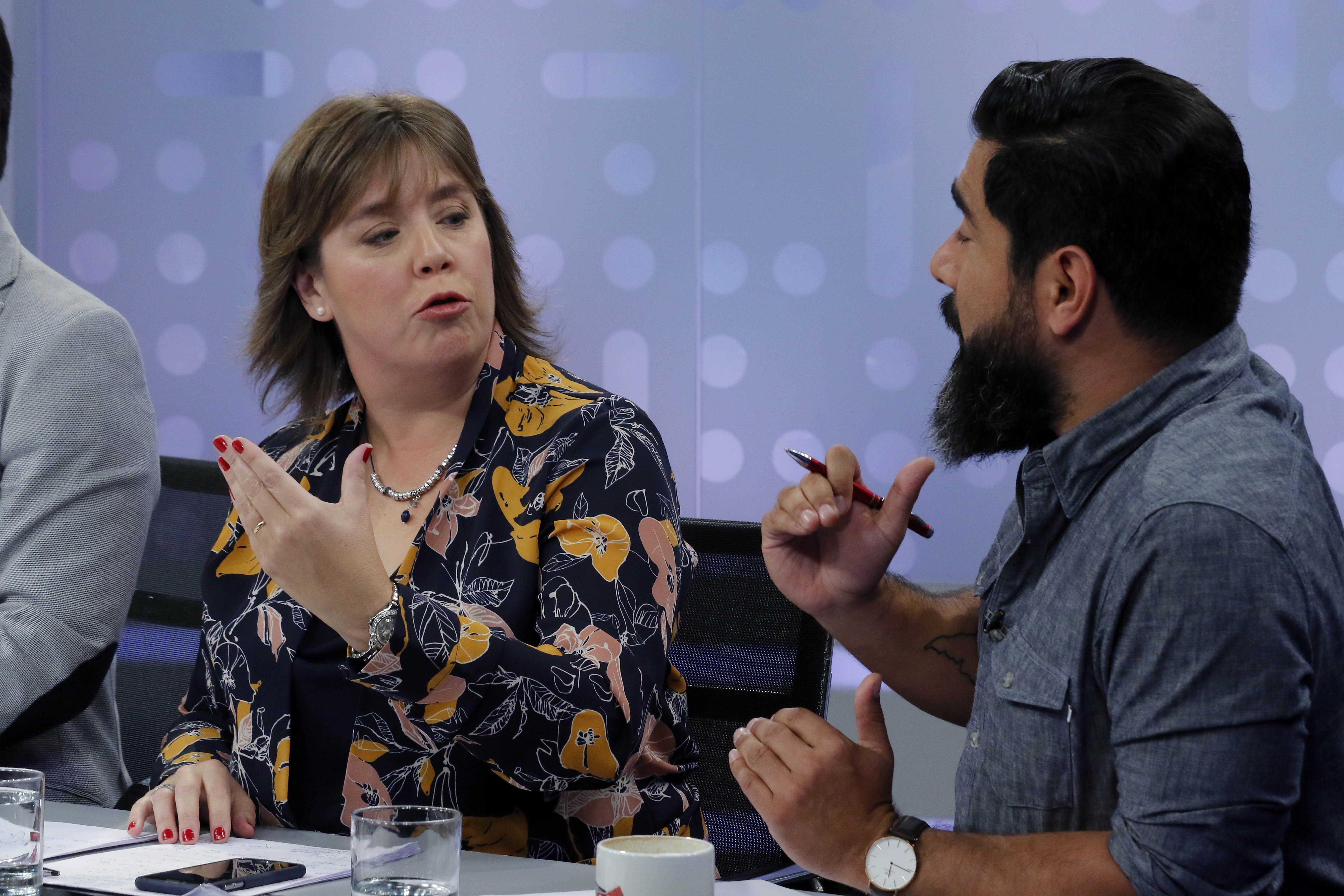 """""""VIDEO   Panelista de TVN y ex ministra de Piñera entrega su argumento para poner en duda la adopción homoparental"""""""