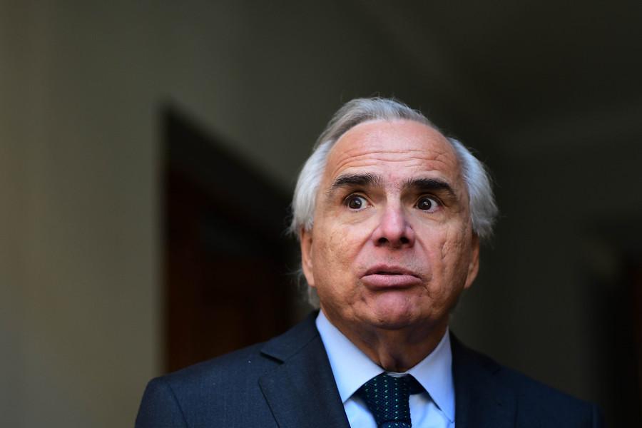 Andrés Chadwick reconoció que Contraloría puso reparos a la contratación de su hijo