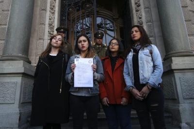 Dirigentas de la Confech solicitan permiso a la Intendencia para marchar contra el machismo
