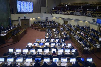UDI y RN piden acelerar ley que reduce parlamentarios