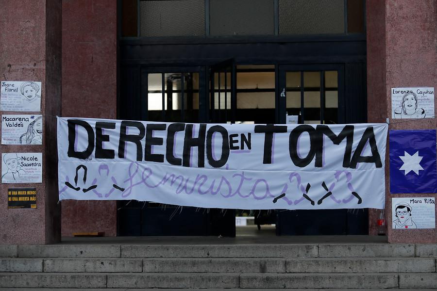 Rector de Universidad de Chile mantiene suspensión contra Carlos Carmona por acoso sexual
