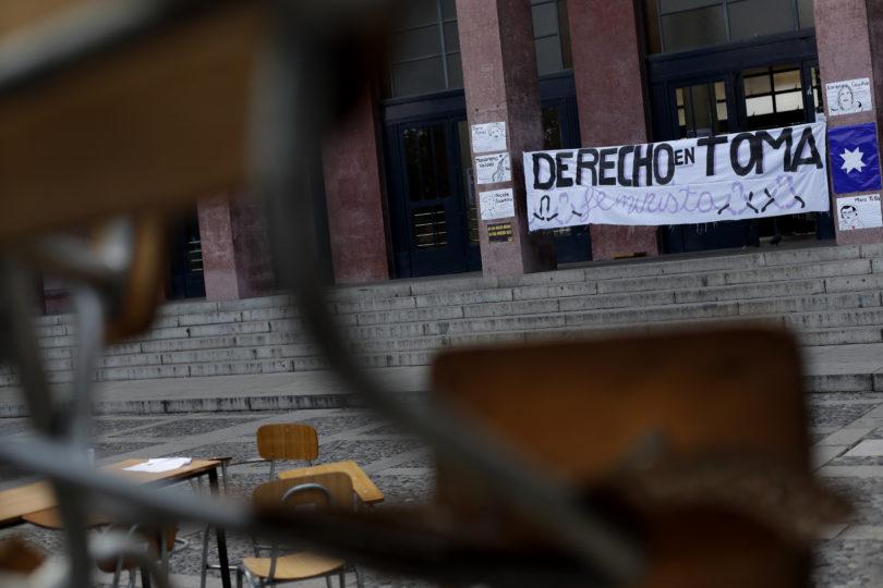 """""""Lo que viví probablemente nadie me lo va a quitar"""": el relato de la alumna de la U. de Chile que denunció a Carlos Carmona"""