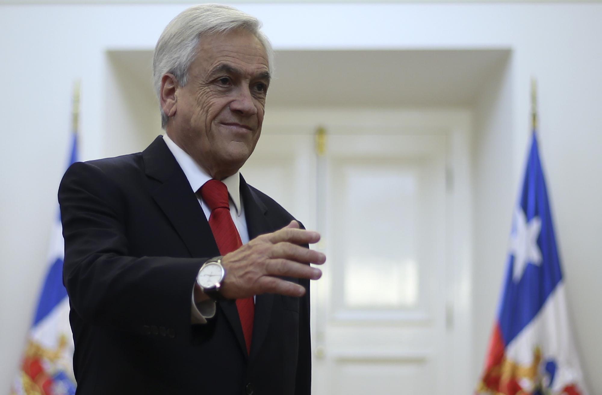 """""""Piñera designa a Sergio Urrejola Monckeberg como embajador en Argentina tras fallido nombramiento de su hermano"""""""