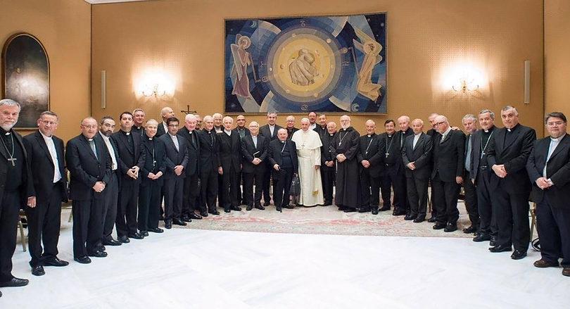 """Dura carta de Francisco a obispos chilenos: """"Son numerosas las situaciones de abuso de poder, de autoridad y sexual"""""""