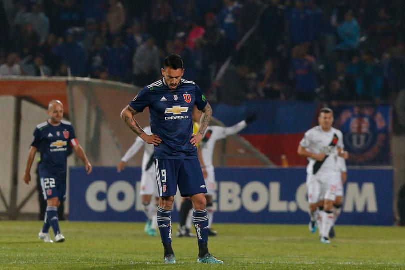 Error de Gonzalo Jara deja a la U última en su grupo de Libertadores y sin Copa Sudamericana
