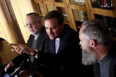 """Sacerdotes víctimas de Karadima: """"El Papa constató que había una crisis en la iglesia chilena"""""""