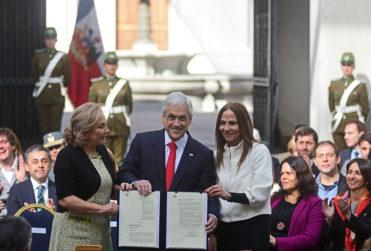 """Piñera lanza agenda de género con medidas contra el machismo y hace mea culpa: """"Todos hemos cometido errores"""""""