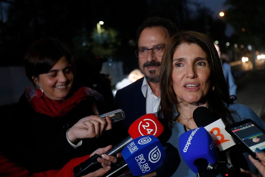 """Ex ministros de Michelle Bachelet cuestionan """"sequía legislativa"""" y lenta instalación de gobierno de Piñera"""