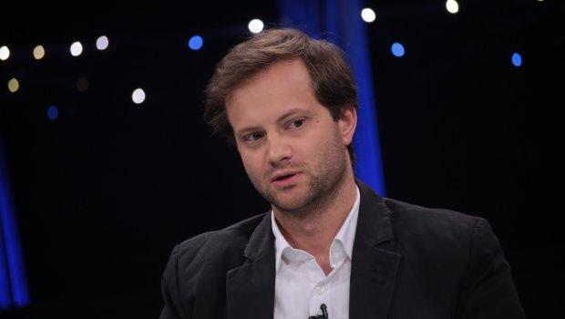 Axel Kaiser quiso entrar al debate por Museo de la Memoria con polémico tuit y diputado Mirosevic lo frenó en seco