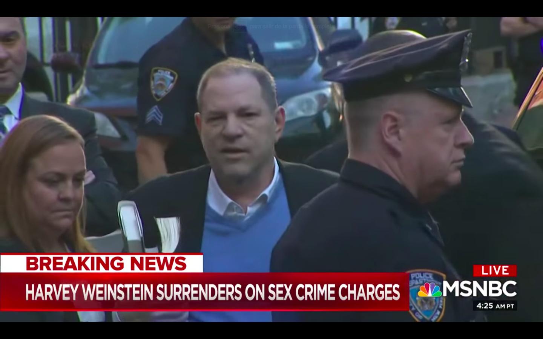 """""""Harvey Weinstein queda en libertad vigilada tras pagar una fianza de un millón de dólares"""""""