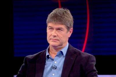 James Hamilton respalda a denunciante del jesuita Renato Poblete