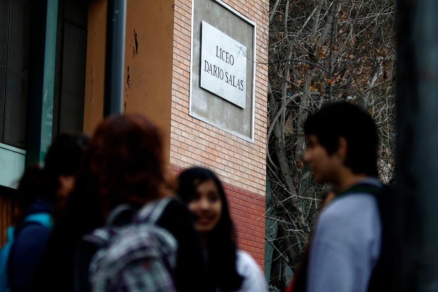 Toma de 12 horas en Liceo Darío Salas generó daños por más de $40 millones