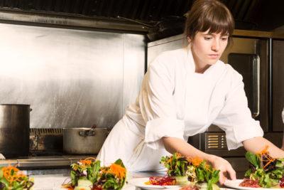 Estudiantes de 9 países se la juegan por el mejor menú en importante competencia gastronómica internacional
