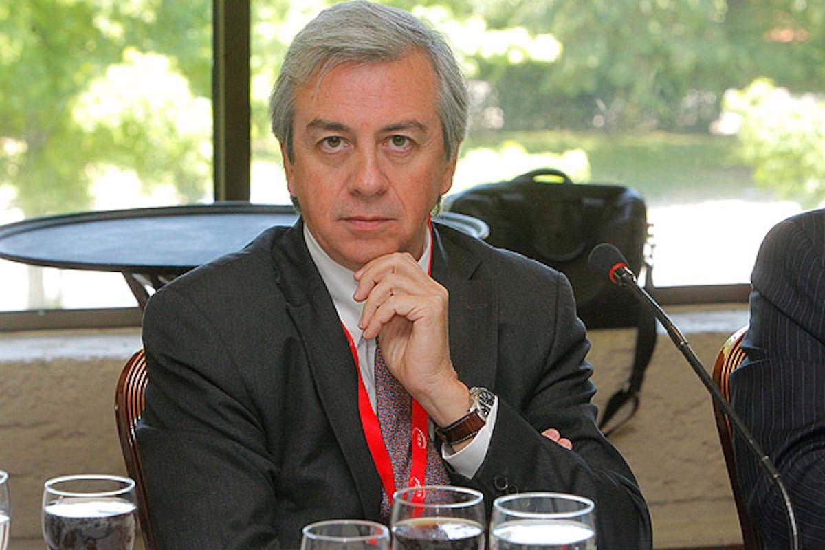 Piñera nombra a directivo de AFP Habitat como presidente del directorio de Codelco