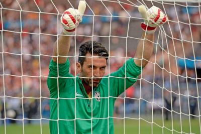 VIDEOS | Adiós a una leyenda: La emocionante despedida de Gianluigi Buffon