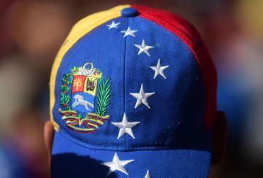 """""""Con participación mayor a la de Chile"""": cuatro tuits del PC contra EE.UU. y la derecha para celebrar a Maduro"""