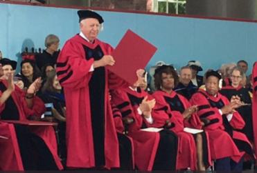 """Piñera felicita a Ricardo Lagos por reconocimiento de Harvard, """"donde obtuve un Doctorado en Economía"""""""