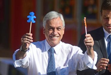 "VIDEO | Cámara de celular capta la ""talla"" de Piñera al ministro de Desarrollo Social en la Vega Central"