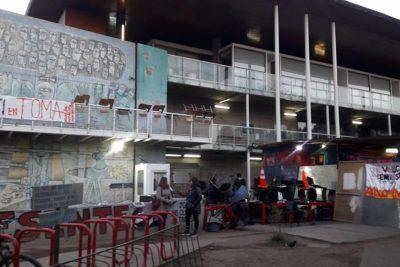 Nueva toma en la U. de Chile: alumnos inician movilización en el ICEI
