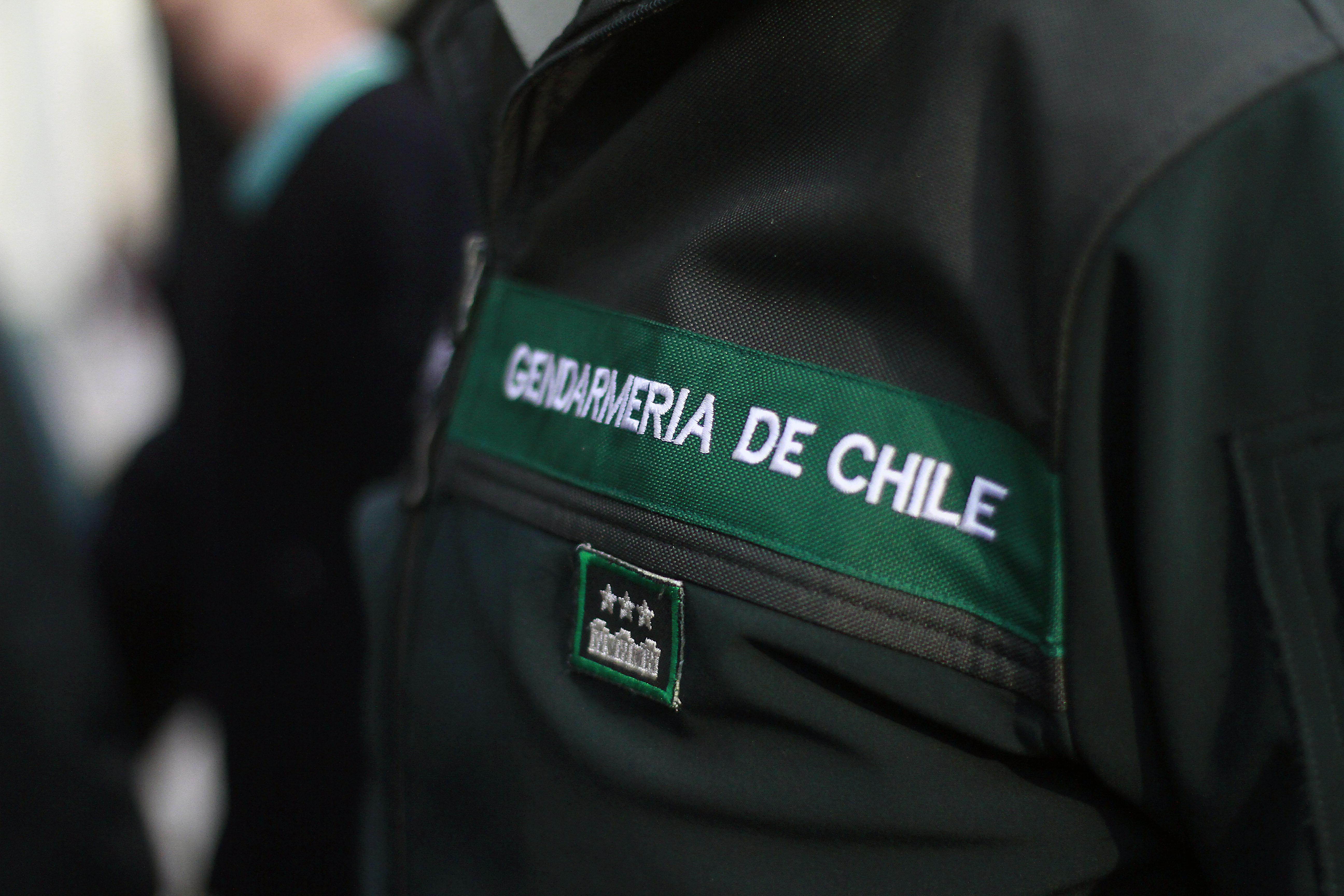 """""""La nueva denuncia que remece a Gendarmería: funcionarios habrían recibido millonarios pagos por gestiones irregulares"""""""