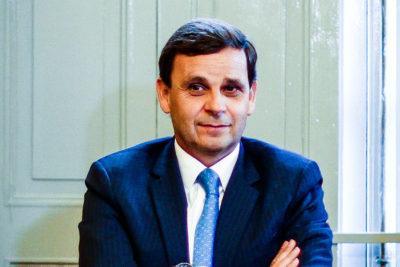 """""""No nos gusta"""": CPC da la espalda a SQM por regreso de Julio Ponce como asesor estratégico"""