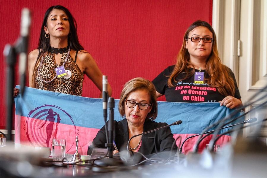 """""""Identidad de Género: Comisión Mixta aprueba cambio de sexo registral para menores de 14 años"""""""