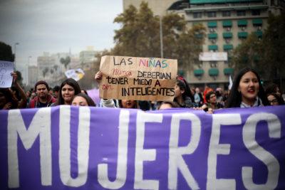 Desafíos de la geografía de la multitud feminista