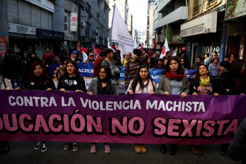Paralelo a la Cuenta Pública: postales de la marcha feminista de la Confech en Valparaíso